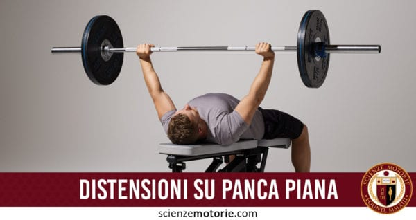 distensioni su panca piana